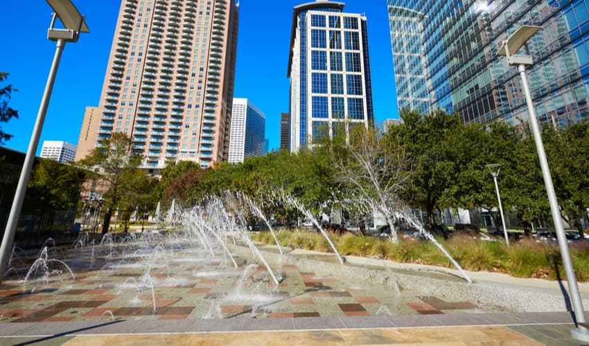 the splash pads at discovery green houston