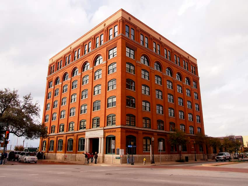 the brown, windowed exterior of Dallas's Sixth Floor Museum