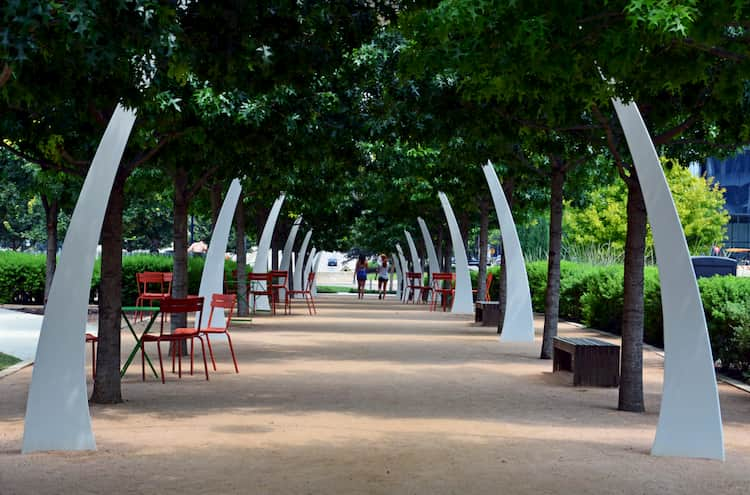 Walkway in Klyde Warren Park